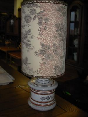 č.333 lampa stolní