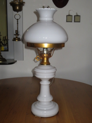č.93 lampa stolní