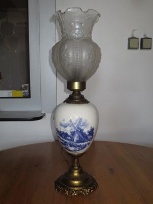 č.1093 lampa stolní