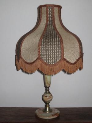 č.1714 lampa stolní