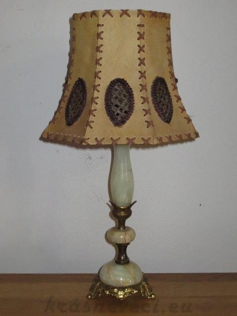 č.82 lampa stolní