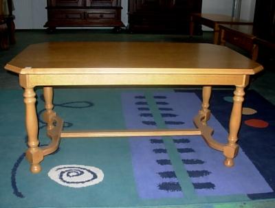 č.2550 konferenční stůl 123x72 cm