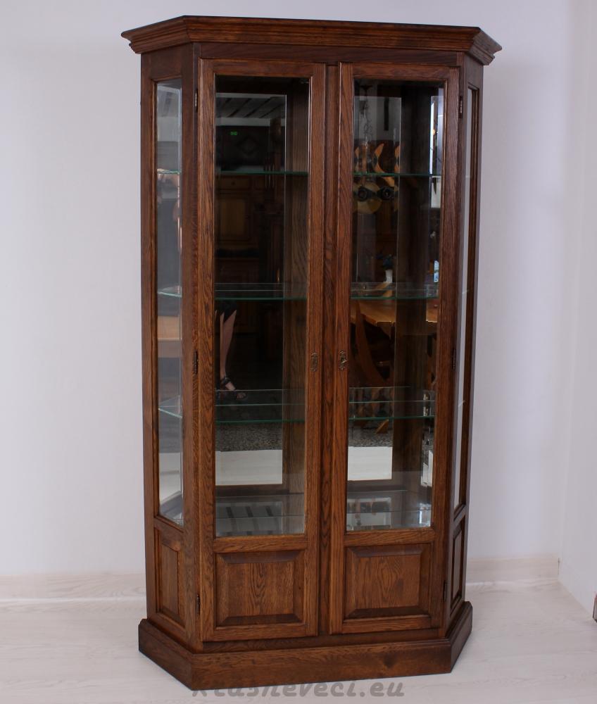 č.1380 vitrína