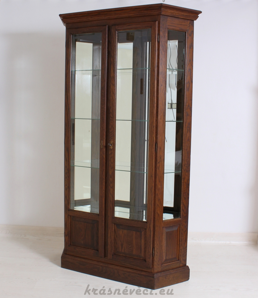 č.660 vitrína