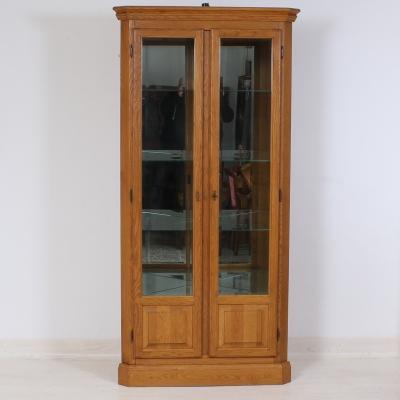 č.1827 vitrína rohová světlý dub